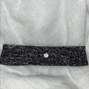 Black and silver speckled lululemon headband